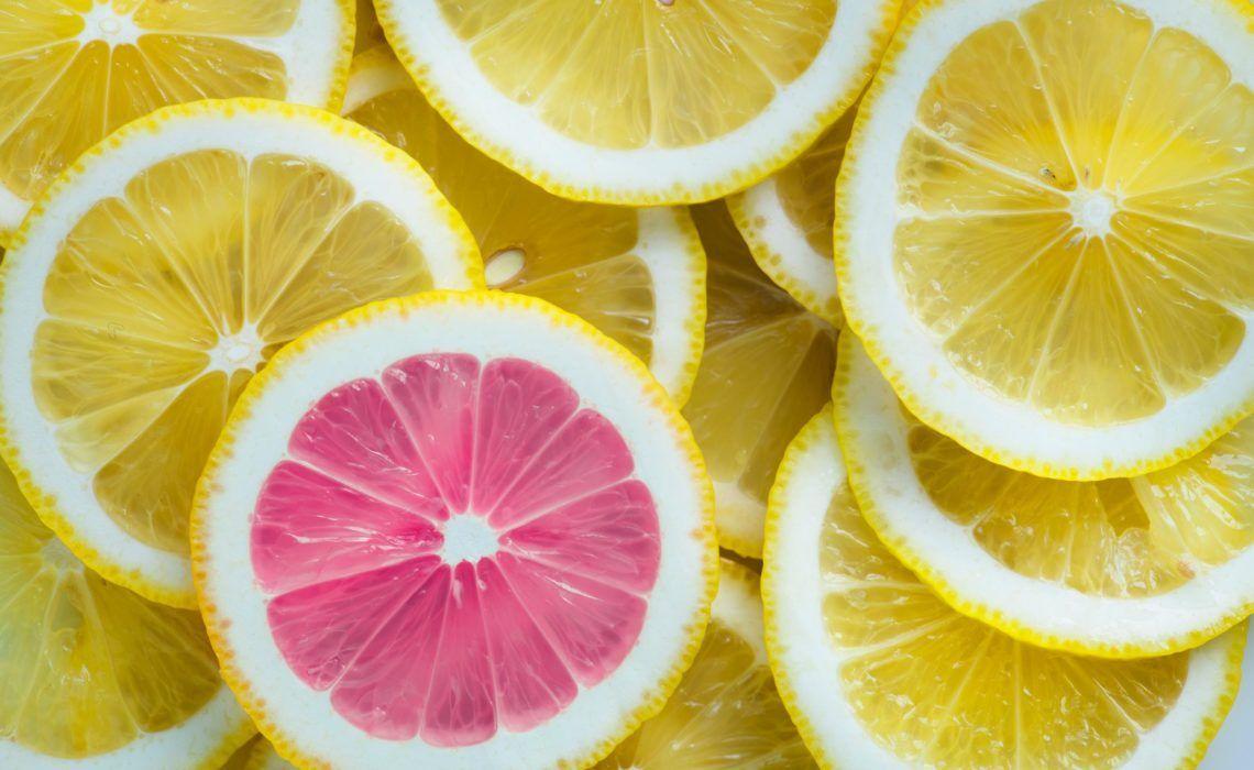 Afbeelding via https://www.pexels.com/photo/sliced-of-citrus-lemons-997725/